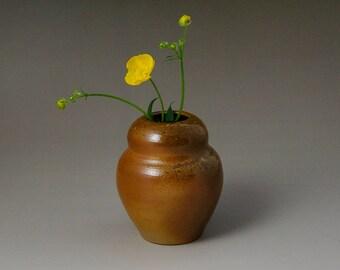 Small anagama Vase, 4 days fired Vase, Flower  Bud Vase, Stoneware Vase, Wheelthrown Vase, Handmade Vase, Ceramic Vase, Pottery Vase