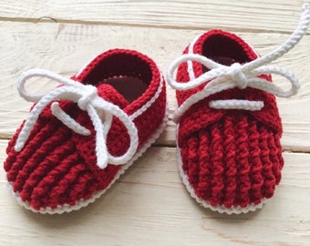 Red Baby mocassins Baby reveal box Baby moccasins Baby uggs Baby moccs Baby sandals Soft sole baby shoes Crochet baby shoes All baby sizes
