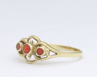 vintage gold coral ring, coral jewelry, gold stacking ring, coral jewelry, minimalist ring, gemstone ring, vintage coral ring, free shipping