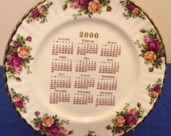 Royal Albert Old Country Roses Bone China Decorative Calendar Plate 2000 White Red & Yellow Roses Gold Rim Scallop Edge  Made In England