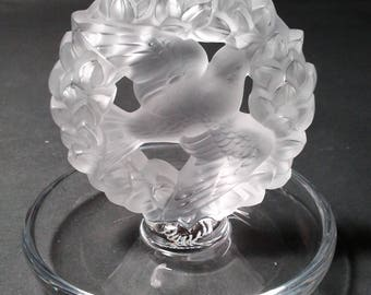 Lalique France Dove in Wreath Ring Dish