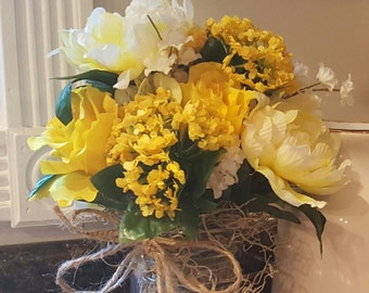 Mason Jar Flowers, Mason Jar Flower Arrangement, Yellow Flower Arrangement, Yellow Flowers Mason Jar, Floral Decr