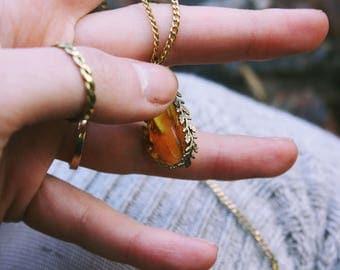 Amber Leaf Pendant Brass