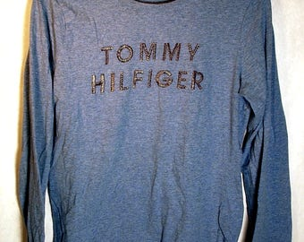 90s TOMMY HILFIGER Womens Long Sleeved Blue Gray Tee Sz Small Metal Wire Spellout Soft Streetwear Fall Winter Minimalist Tommy Girl Flag USA