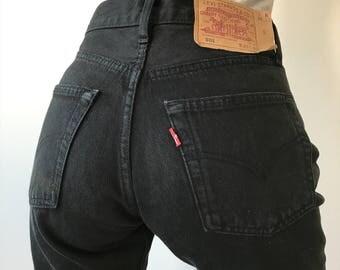 Hez Berlin – Vintage Women's Levis 501 Black S / M Size Jeans 100% Cotton Classic Levis Simple Denim W27 L30