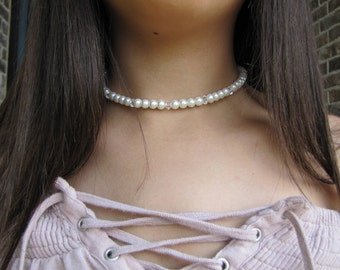 Pearl and clear choker