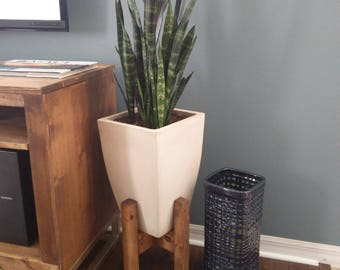 mid century modern plant stand wooden plant stand indoor. Black Bedroom Furniture Sets. Home Design Ideas