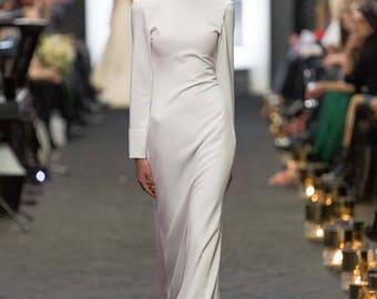 Ivory wedding dress, long sleevs, long train, simple, elegant, buttons o the back