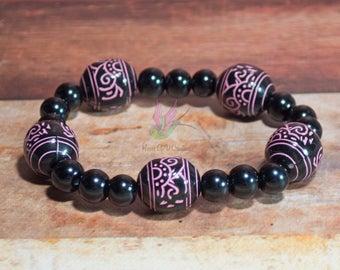 Pink & Black Stretch Beaded Bracelet - Layering Bracelet - Beaded Bracelet - Bracelet - Black bracelet - Colorful