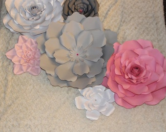 Set of 6 Paper Flowers with 6 free leaves