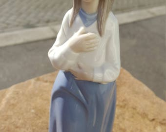 RETIRED LLADRO NAO Girl In Blue Dress With Ribbon In Her Hair Figurine Lady Figure Vintage Porcelain China Ornament