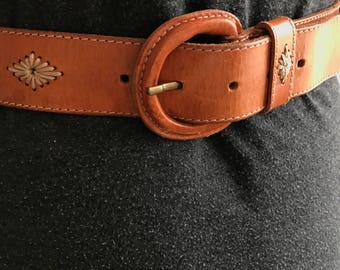 Womens tan leather belt with white details