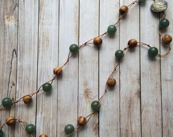 green aventurine necklace, pine wood necklace, knotted necklace, beaded necklace