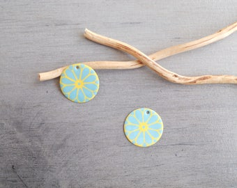 X 2 yellow and light turquoise sequins