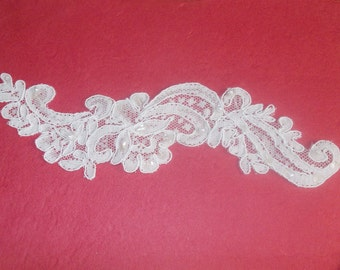 Embroidery applique sewing ecru with small white pearls and sparkly sequins