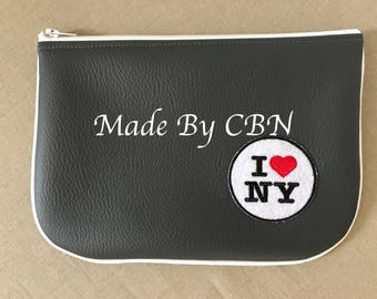 Case/pouch New York dark gray grained leatherette, Welt finishes & white zipper