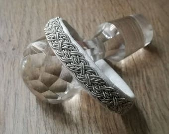 Sami Snowqueen White leather bracelet and realise Tin money