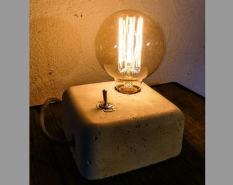 Lamp with concrete vintage filament bulb
