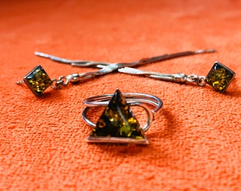 Amber ring and earrings set. Silver marked 925.