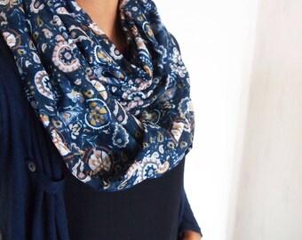 Snood collar double mid-season, baroque and floral motifs, silky cotton