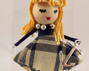 Doll's brooch, sailor model pin up