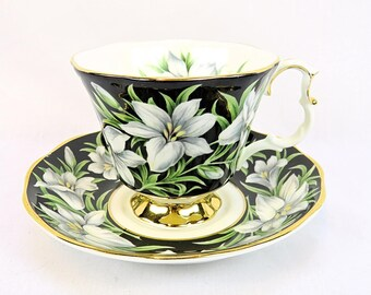 Vintage Royal Albert Provincial Flowers, Madonnna Lily, porcelain teacup from 1975