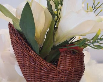 Wicker chicken basket, Easter decoration,  Boho style, Kitchen decor, Chic decor, Farmhouse decor, Gift for mom, Housewarming gift