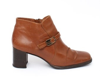 EU 41 - Brown leather vintage buckle boots with fur for women - size UK 7 / US 9,5 - bright brown block heel booties 70s style Gaspar Quiles