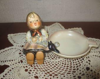 Goebel STROLLING ALONG Ashtray Hummel Figurine #62 TMK-3  - West Germany