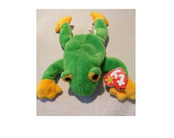 Authenticated Ty Beanie Babies Smoochy the Frog 5th - eye defect