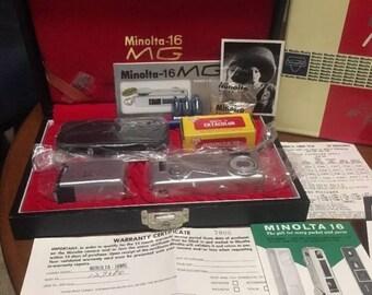 Vintage Minolta M16 MG Mini Spy Camera Set - Original Paperwork, Box, Carrycase, accessories