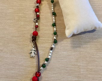 Green and red long necklace