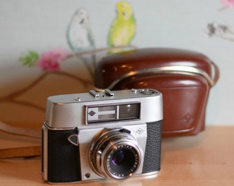 Vintage Agfa Super Solina Apotar 35mm Camera & Brown Leather Case ~ Color-Apotar 45mm f/2.8 lens ~ Prontor-SVS shutter  ~ Photography