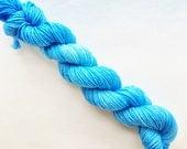 CERULEAN BLUE hand dyed yarn mini skein. sock fingering yarn, merino wool superwash knitting. sock mini semi-solid. sky light blue yarn