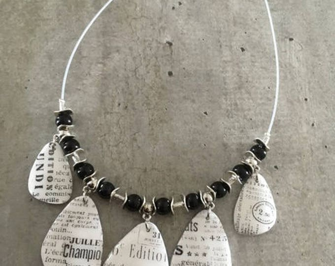 crew neck polymer clay necklace - news of Paris - new