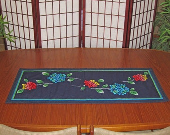Hydrangeas Design Japanese Quilted Tenugui Table Runner Deep Blue