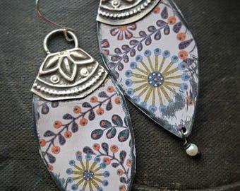 Tin Earrings, Vintage Tin, Flower Earrings, Flowers, Shields, Kuchi, Retro, Recycled Jewelry, Re purposed, Beaded Earrings