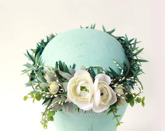 Botanical bridal headpiece, Boho wedding crown, Bridal hair accessory, White ranunculus comb, Bridal headpiece, White floral hair wreath