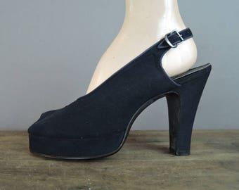 Vintage 1940s Shoes Size 8-1/2 Navy Suede Platform Slingbacks with Peep Toe, Palter DeLiso