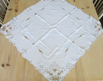Handmade Madeira Table Topper Tablecloth Hand Embroidered Cutwork Vintage Ivory with Ecru Stitching