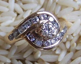 14k Vintage Diamond Ring .20-.25 Center Stone With 16 Smaller Diamonds