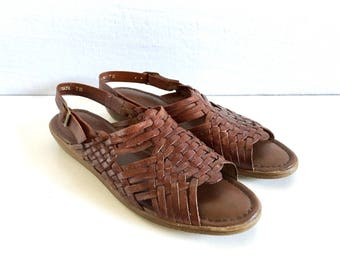 Vintage Shoes Women's 80's Brown Leather, Huaraches, Sandals by Cobbies (Size 6 1/2N)
