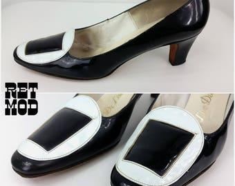 OUTSTANDING Vintage 60s Black & White Mod Op Art Buckle Pumps Heels Shoes