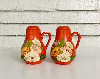 Vintage Ceramic Pottery Salt and Pepper Shaker // Hand Painted Shaker Collection // Boho Kitchen Decor