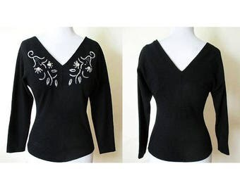 """Lovely 1950's Designer  Beaded Black Wool Blouse with Dramatic Plunging Neckline & Dolman """"Bat"""" Sleeves Size Small"""
