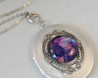Divine Light,Cosmos,Locket,Silver,Turquoise,Blue,Galaxy Necklace,Galaxy Locket,Blue Necklace,Moon Locket,Star Locket,Star,Moon,Moon Necklace