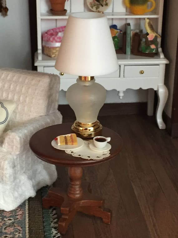 Miniature Table Lamp, Working LED Lamp, Dollhouse Miniature, 1:12 Scale, Dollhouse Light, Mini Lamp, Dollhouse Accessory, Decor, Crafts