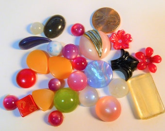 Vintage Moonglow Lucite Cabachons NOS (new old stock) Moonstone Beads