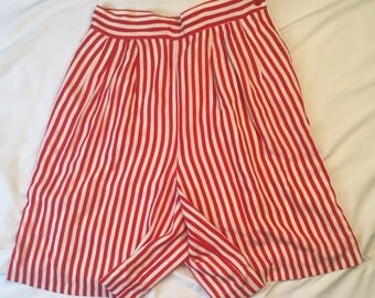 Red White High Waisted Striped Shorts 80s 90s Vintage Gianni Sport Dressy Long Walking Shorts Pleated Culottes Women