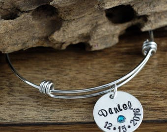 Personalized Silver Mom Bracelet, Baby Name Charm Bracelet, Birthstone Mom Bracelet, New Mom Bracelet, New Baby Gift, Mothers Bracelet